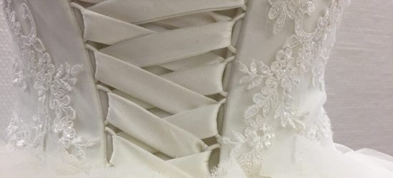 Detail trouwjurk vermaakt 2